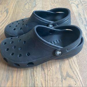 Crocs black classic gardening clogs 10-11